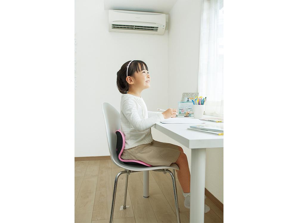 Style Kidsはお子さまの座り姿勢をサポートします。