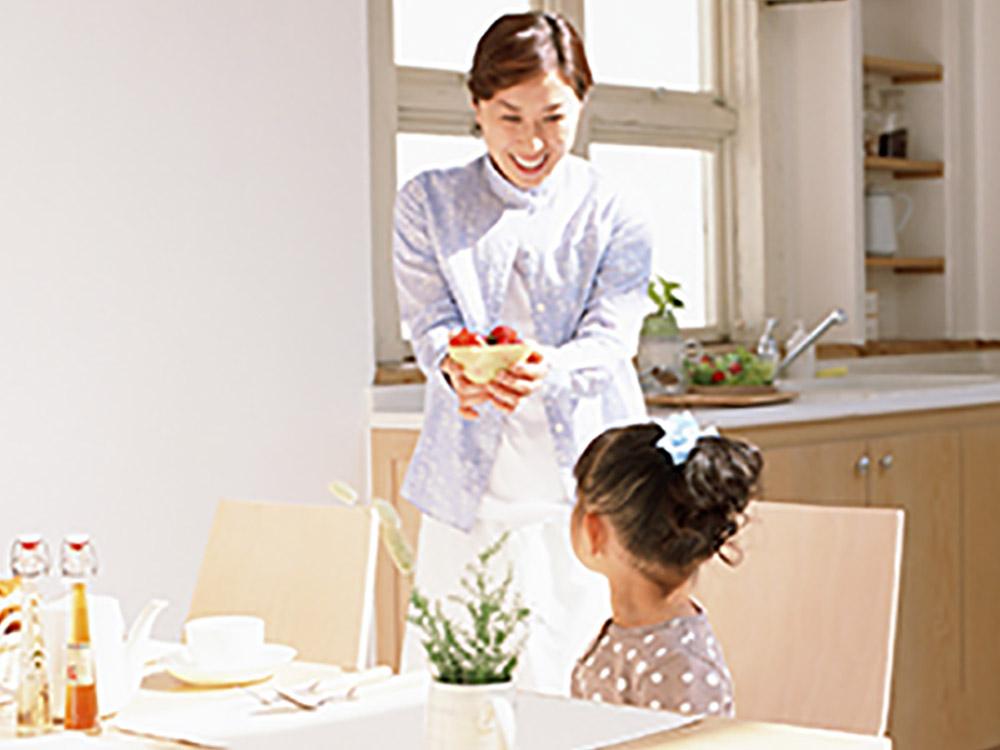 幼少期の子育てはバランスの良い食事を。