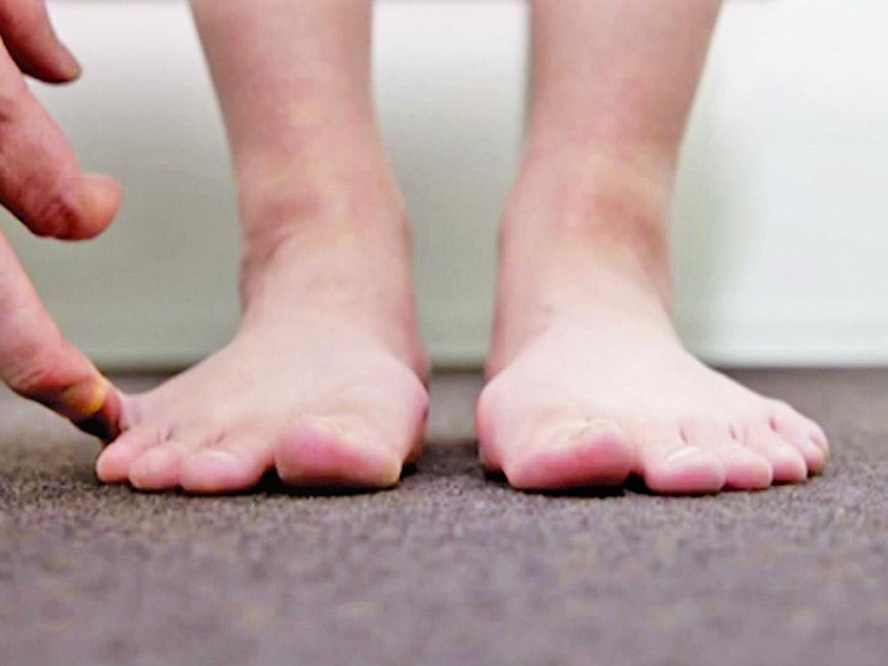 足の浮き指チェック