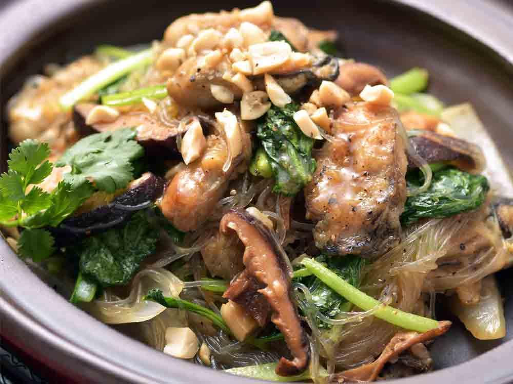 カキと小松菜のエスニック炒め