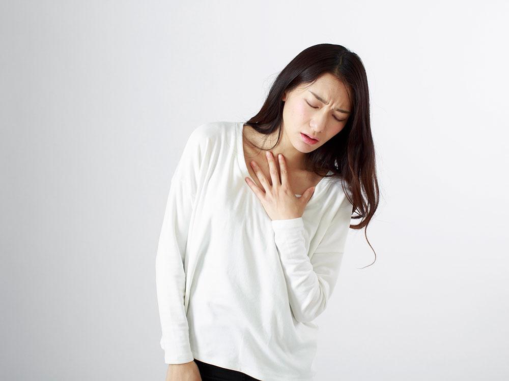 動悸、息切れ…<br>肋骨がうまく動いていない影響かも?