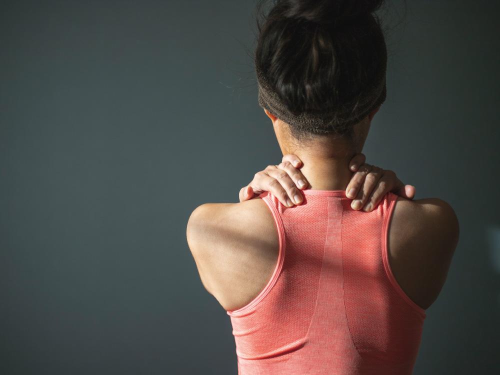 肩コリ、腰痛におすすめのEMS <br>緩和するための方法とは?